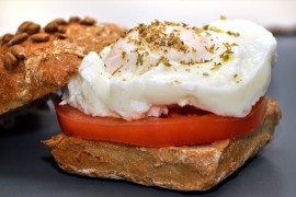 Sandwich-with-poached-egg